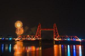 昇開橋と花火